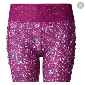 """Lululemon Paradise Camo 6"""" Shorts 6"""